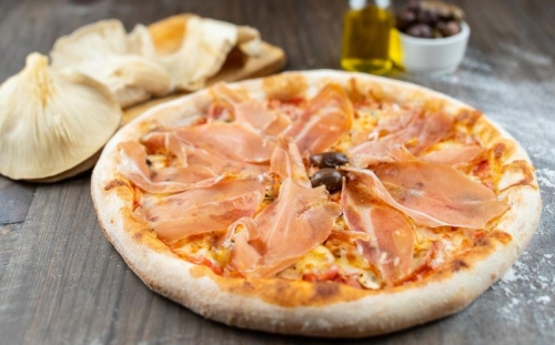PIZZA Family Prosciutto crudo family