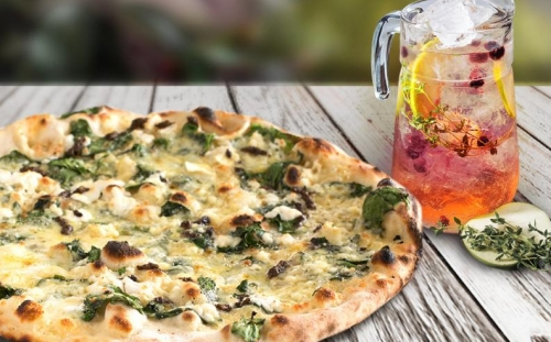 COMBO Combo menu Combo pizza Pizza with French goat cheese and fresh spinach leaves + Fig and thyme Lemonade 1 L